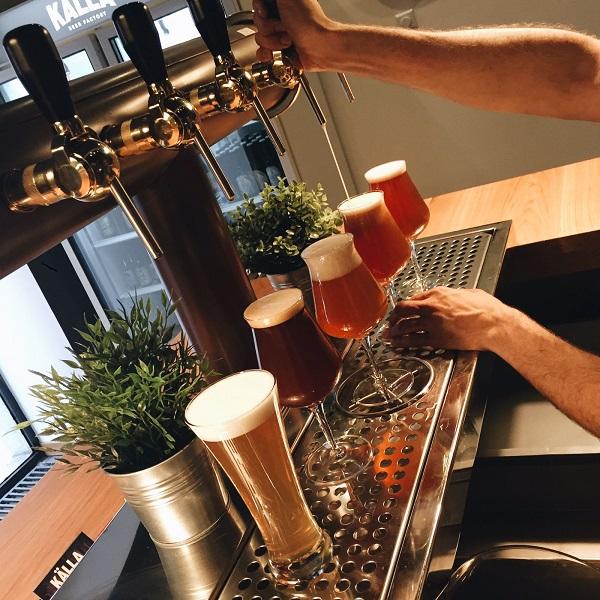 cerveceria-kalla-cerveza-artesanal-en-chueca-servir