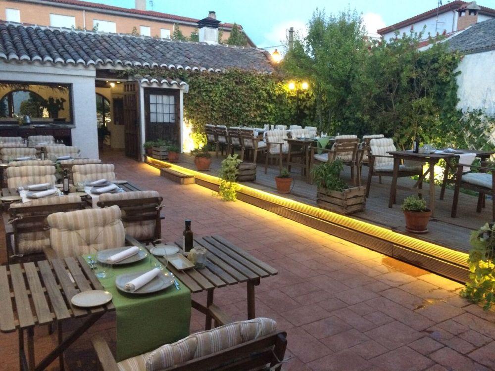 Casa Elena_trasera_03_preview